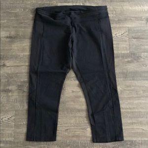 Lulu lemon all black cropped leggings
